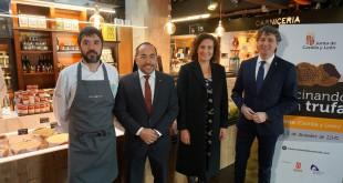 De Izq. a Decha. Óscar García, Luis Alfonso Rey de las Heras, Mª Josefa García Cirac y Carlos Martínez Mínguez