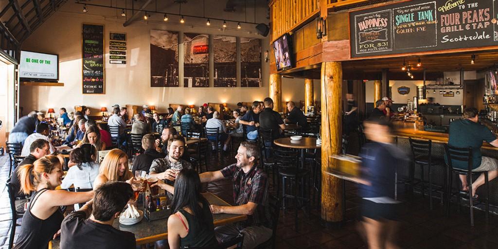 Four Peaks Brewery, un local en Scottsdale perfecto para experimentar la vida actual en el Oeste Americano. Foto: fourpeaks.com
