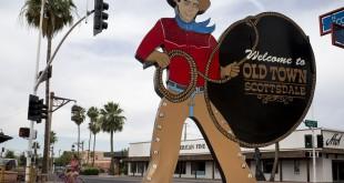 El característico cartel que da la bienvenida al centro de la localidad de Scottsdale, junto a Phoenix. Foto: Mark Henle/The Republic