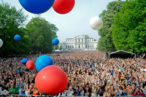 Multitudinaria, la asistencia al festival holandés de Bevrijdingspop. Foto: C. Melanie Caitlin