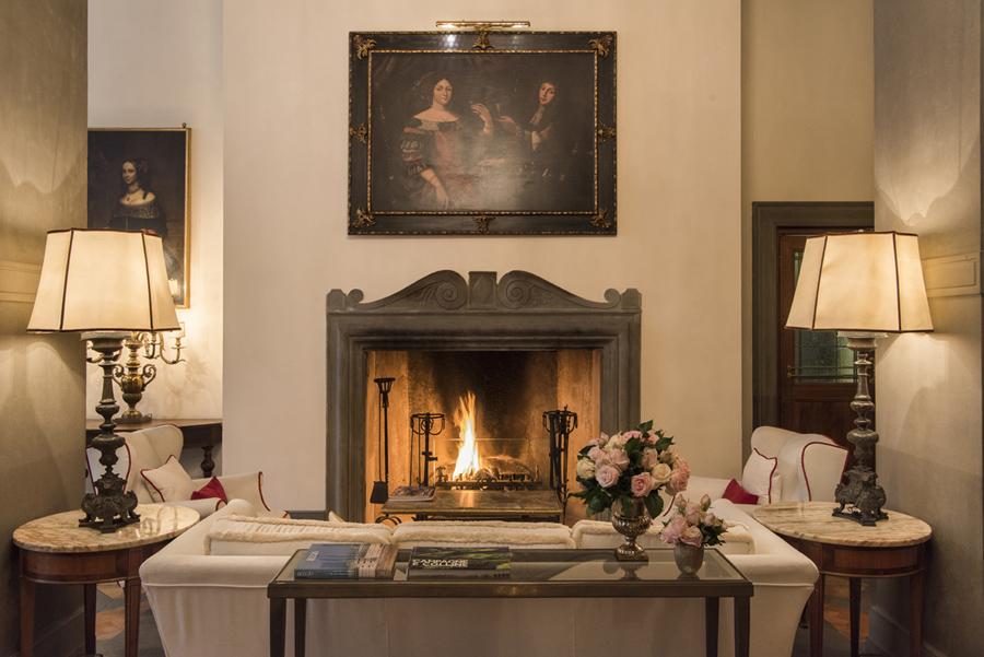 chimenea del hotel Helvetia & Bristol