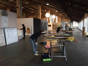 Preparación de una de las exposiciones del Les Rencontres de la photographie de Arlés 2017. Foto: Les Rencontres d'Arles