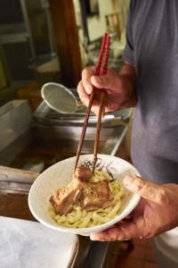 Soki Soba (fideos de costilla de cerdo guisada) en Okinawa. Foto: ©JNTO