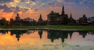 Uno de los templos del parque histórico de Sukhothai