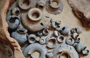 Restos de un antiguo horno de cerámica Sangkhalok en el Parque Histórico de Si Sathanalai
