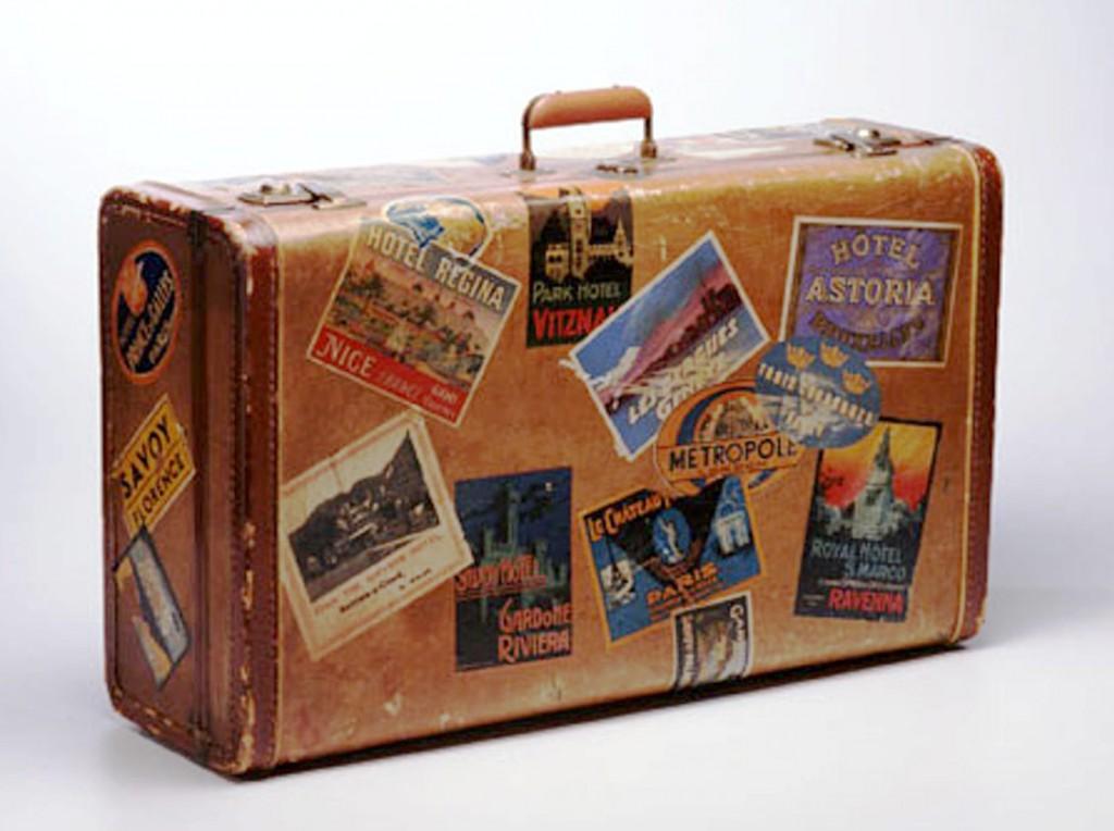 Maleta etiquetas vintage