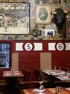 En Arlés Picasso logró atrapar el recuerdo de su Málaga natal. En la foto, un restaurante español cercano a la Place du Forum