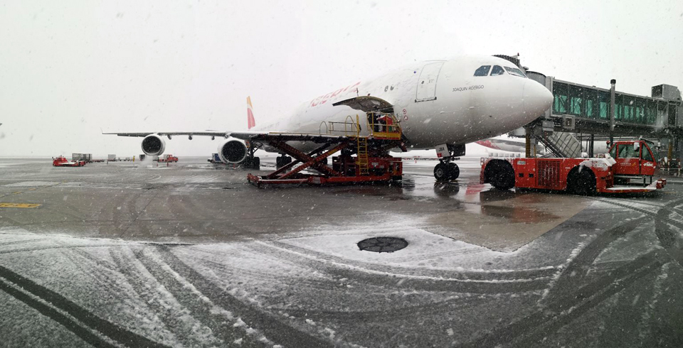 La nevada de hoy cayendo en la T4