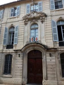 Fachada de un edificio neobarroco. En todo Arlés se conservan unos 50 palacetes de inspiración parisina