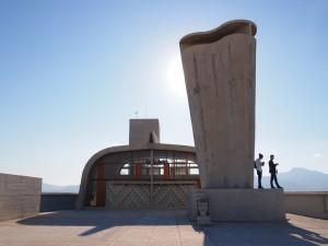 La azotea del icónico edificio Cité Radieuse de Le Corbusier es ahora el centro de arte MaMo. Foto: © OTCM para Marseille Tourisme.