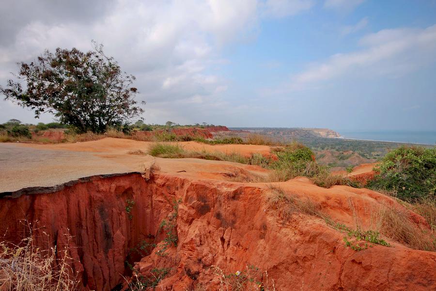 En el Mirador Da Lua la erosión provoca estos accidentes naturales. Foto: Gonçalo Afonso Dias