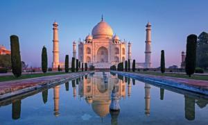 Taj Mahal en la ciudad de Agra, India