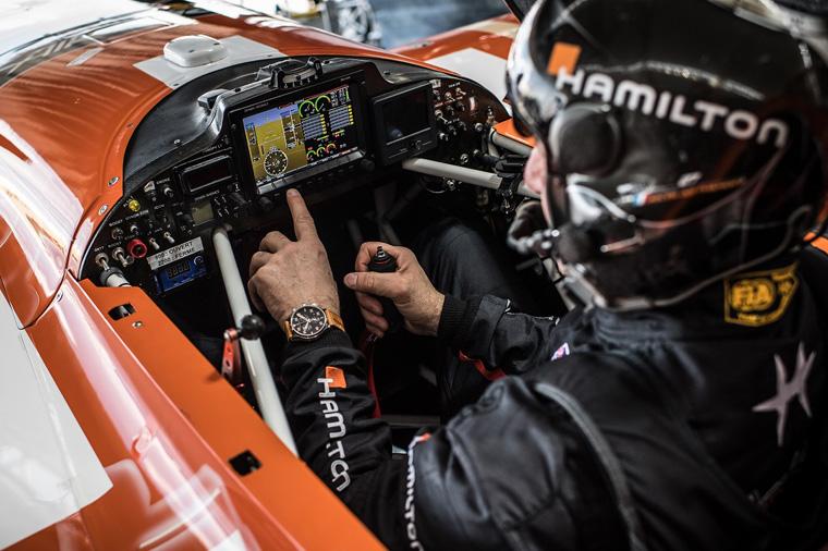 El francés Nicolas Ivanoff, del equipo Hamilton, en su avión durante la primera etapa en Abu Dhabi, Emiratos Árabes Unidos, el 29 de enero de 2018.