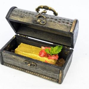 Comparte el cofre del tesoro. Lingote de foie con mango, yogurt y bizcocho borrachito.