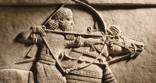 Motivo de caza de Ashurbanipal a caballo. Nínive, Asiria, 645-635 aC.