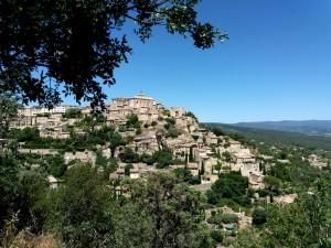 Gordes, que destila el sabor de la comarca francesa del Luberon, es uno de sus pueblos más fotografiados.