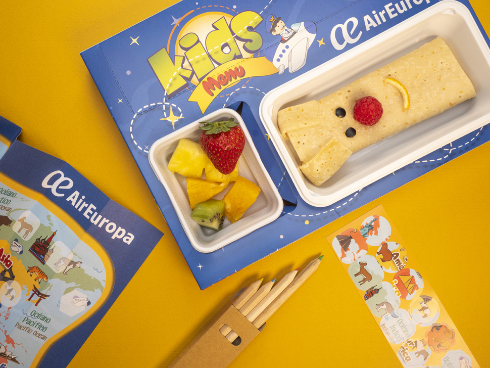 Los nuevos Kids Menús de Air Europa, con comidas divertidas y pegatinas y hoja y lápices para colorear en la sobremesa.