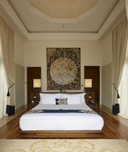 Una Master bedroom.
