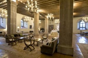 El Parador cuenta con 81 habitaciones, de las que 14 tienen una categoría especial, y su restaurante tiene capacidad para 170 comensales.