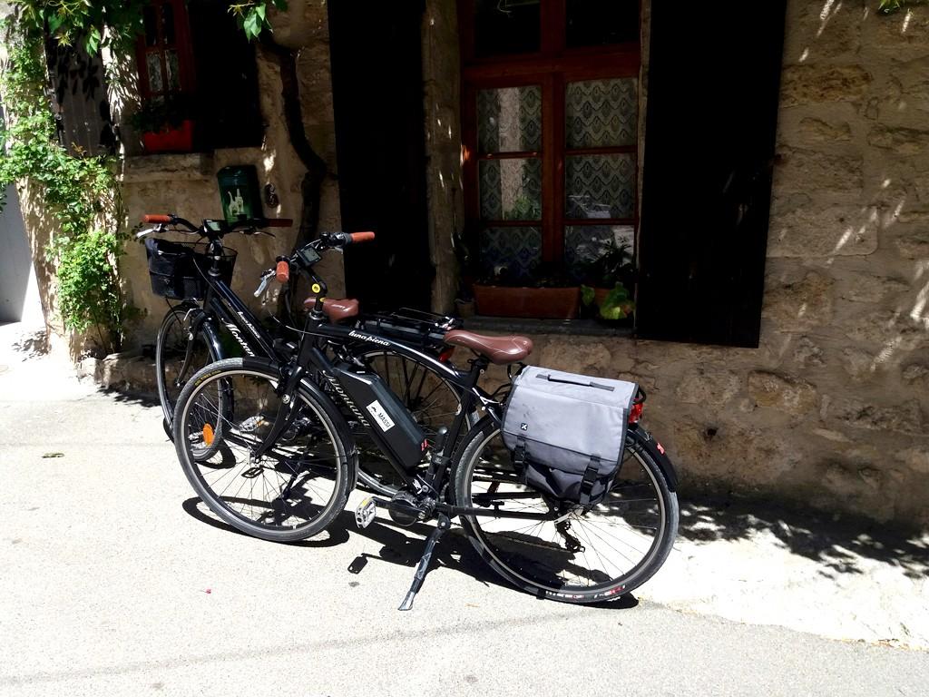Recorrido en bici eléctrica desde el pueblo de Vaugines.