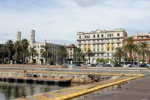Cagliari, la capital. Es una ciudad antigua, hospitalaria y con mucho encanto.