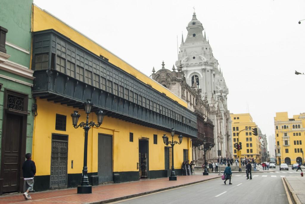 Casa del Oidor y Catedral de Lima.