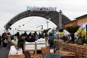 Le Jardin Suspendu incluye una huerta de 100 m2, bares, restaurantes y pantallas gigantes.