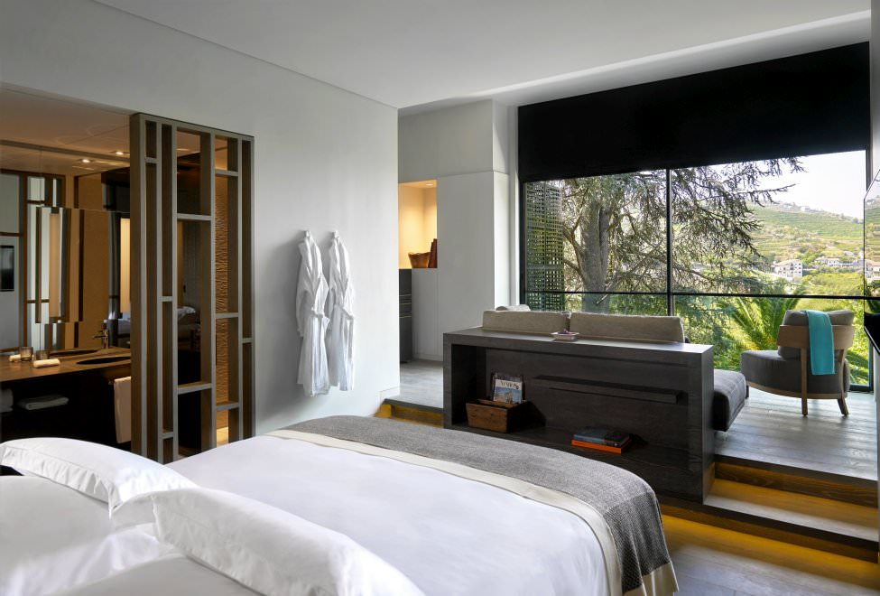 La habitación Quinta Deluxe tiene un ventanal con el que poder disfrutar al máximo las vistas privilegiadas al valle.