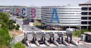 Parking en la T4 del Aeropuerto Adolfo Suárez Madrid-Barajas.