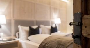 Habitación del hotel Rosa Alpina en el Tirol del Sur de Italia.