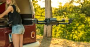 Con el comendo de voz, el pequeño quadrocopter escucha sus instrucciones.