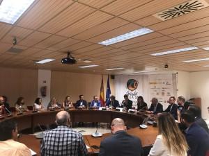Presentación en en la sede del Ministerio de Industria, Comercio y Turismo, por la concejala de Turismo y primera teniente de alcalde del Ayuntamiento de València, el secretario autonómico de Turismo y responsable de la Agència Valenciana de Turisme y el director general de Turespaña.