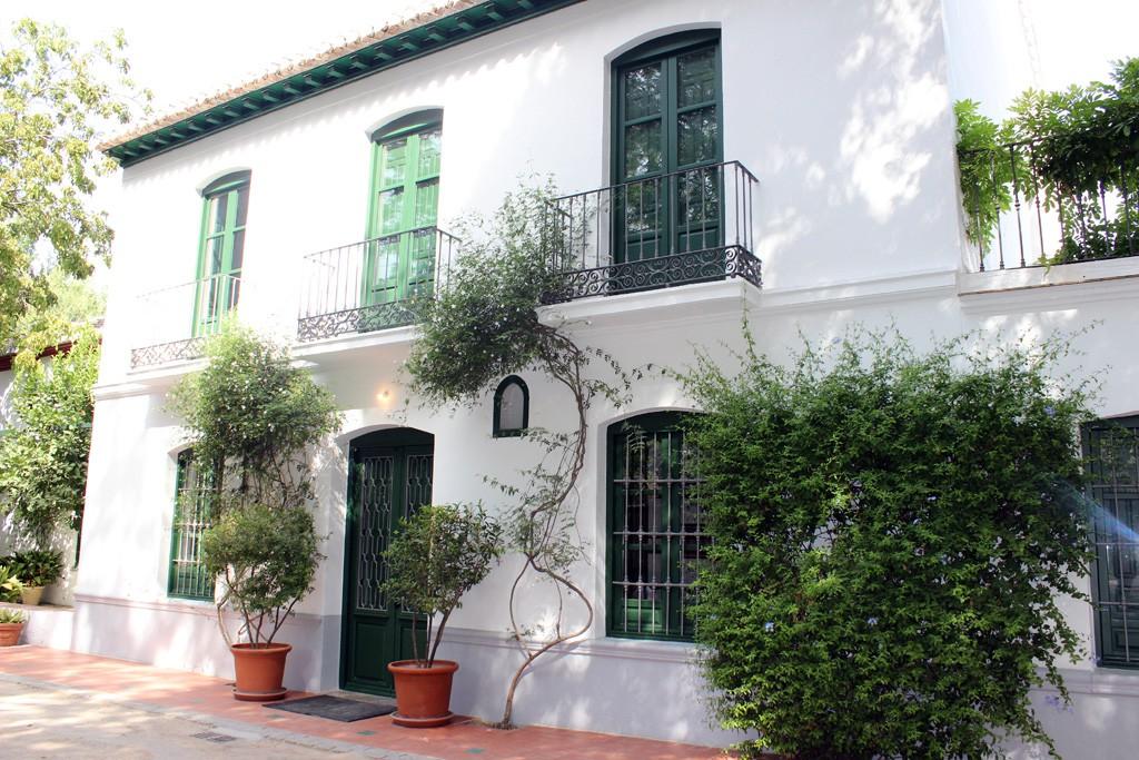 Fachada de la casa de Lorca en la Huerta de San Vicente.