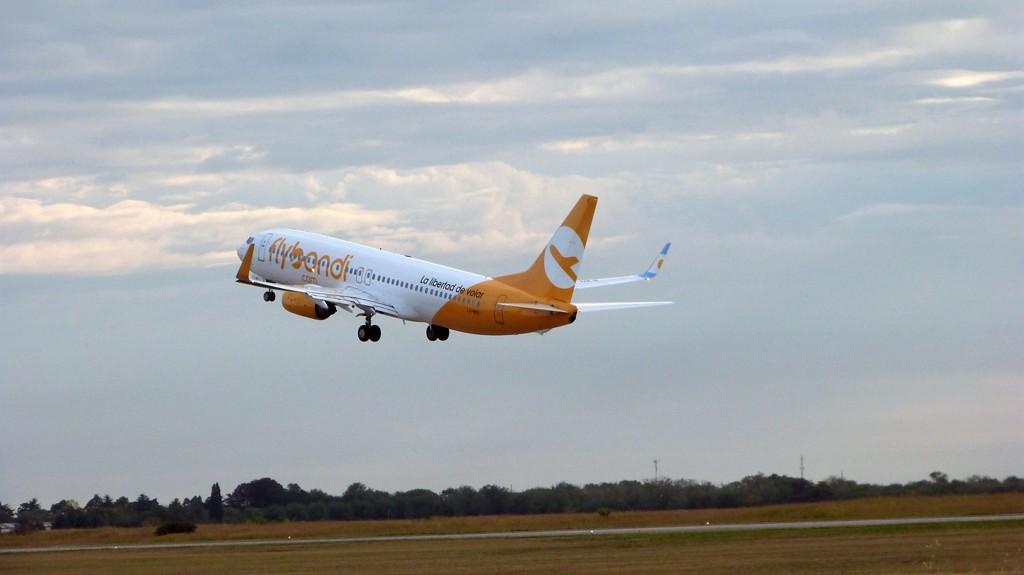 Flybondi es la primera aerolínea en operar esta ruta.
