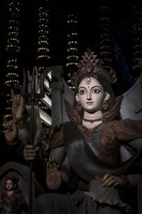 El jovencísimo artista que realizó esta Durga apenas había superado la veintena.