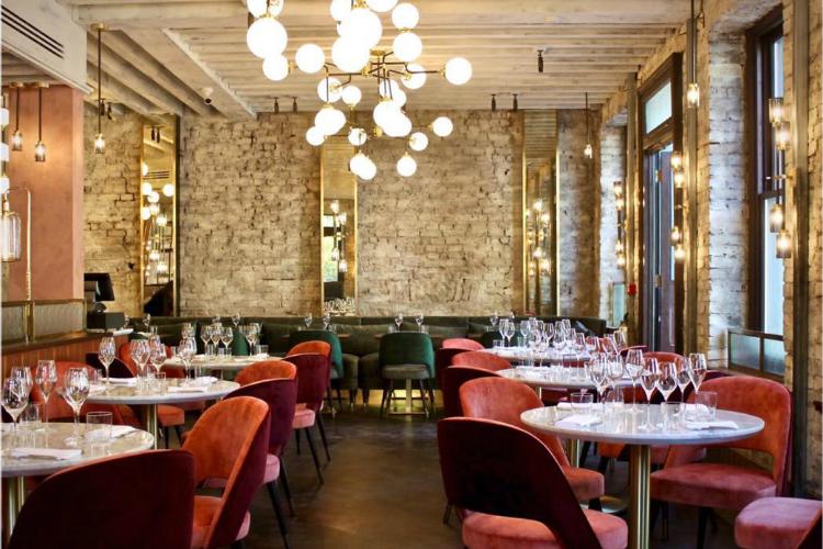 Ambos decidieron lanzarse a crear su propio restaurante, uno que reflejara su propio carácter (de ahí su nombre), una mezcla de cocina francesa e italiana.
