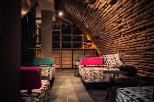 N°5 Wine Bar.