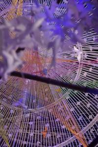 Interior de un 'pandal' realizado en metal de forja cuya forma recordaba a la jaula de un canario.