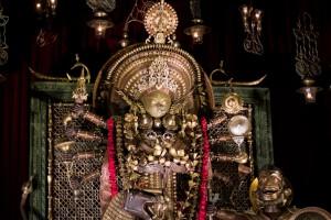 Una de las Durgas de realización más compleja y minuciosa que encontramos en esta edición de Durga Puja.