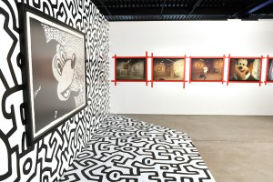 La obra de de Kieth Haring y las fotografías de Tseng Kwong Chi.