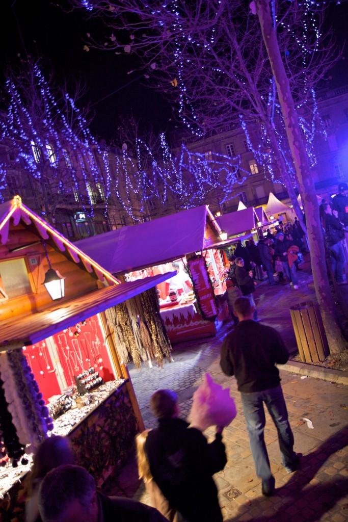 Mercado de Navidad en la plaza Carnot. Foto:  © Julien Roche / Mairie de Carcassonne.