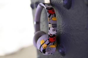Artículos como estos auriculares inalámbricos se encuebtran en la tienda.
