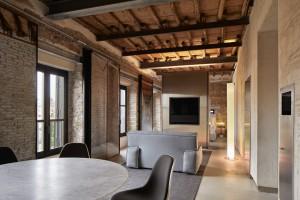 La planta baja será la sede de la Fundación Aldi Fendi, que ahora exhibe una exposición de Miguel Ángel.