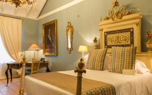 El hotel cuenta con una valiosa pinacoteca con obras de los siglos XV al XX.