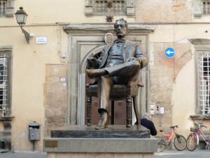 El monumento dedicado al compositor.