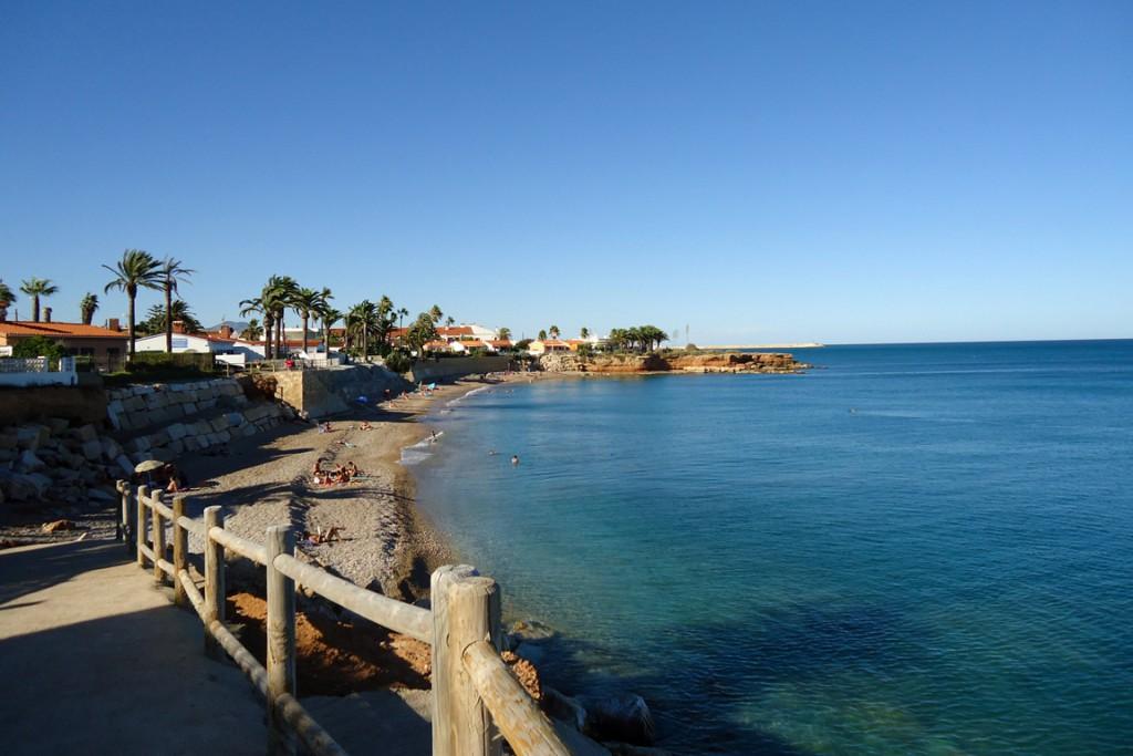 Vinaròs, situada a 80 km al norte de la ciudad de Castellón.