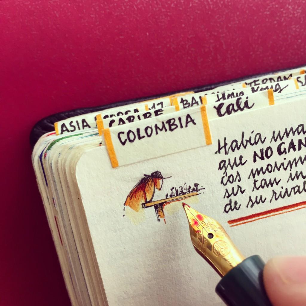 """""""Mis cuadernos son como mis criaturas, como seres vivos que sorprenden"""", dice José Naranja."""