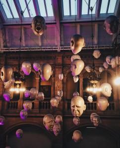 El Museo Kelvingrove de Glasgow alberga 22 galerías que cubren períodos de tiempo distintos y motivos diversos.