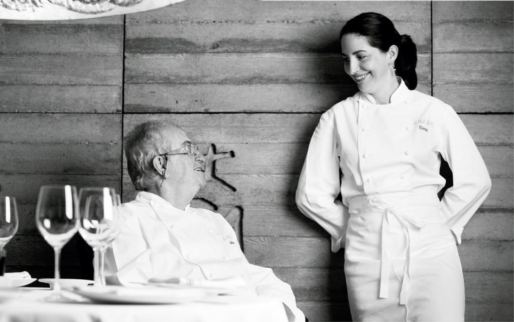 """El libro """"Arzak+Arzak"""" es una travesía por la vida del centenario restaurante vasco. La complicidad es evidente entre padre e hija."""