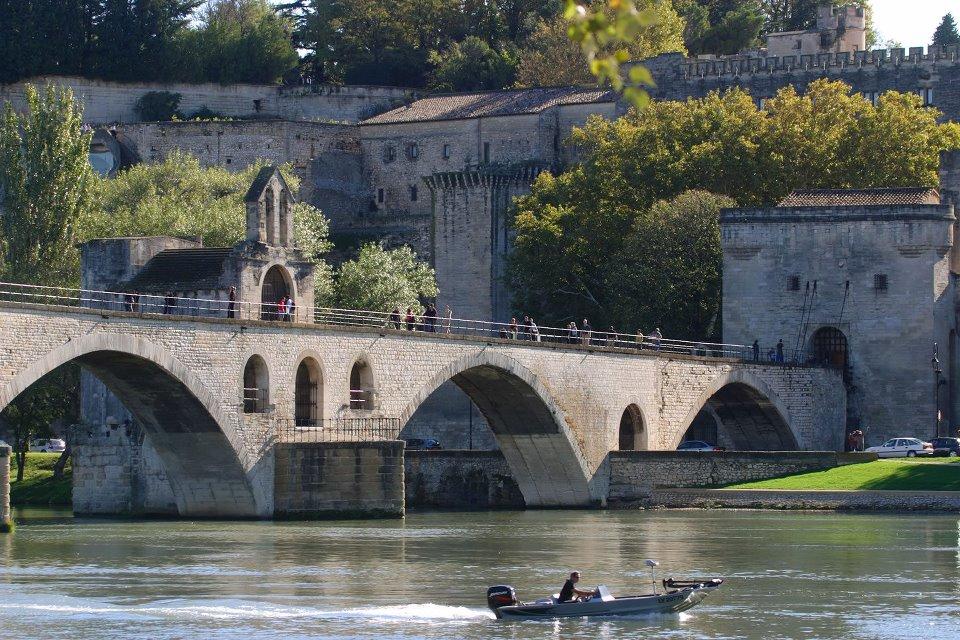 El puente fue la única vía que conectaba el condado papal y la propia Francia, cuya frontera estaba justo al otro lado del río. Foto: facebook Pont d'Avignon Saint Bénezet.